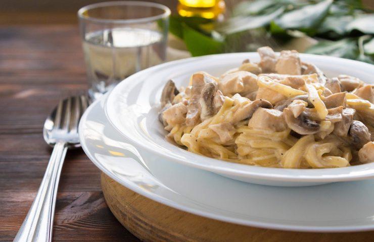 Chicken Mushroom Stroganoff (Slow Cooker, THM:S)
