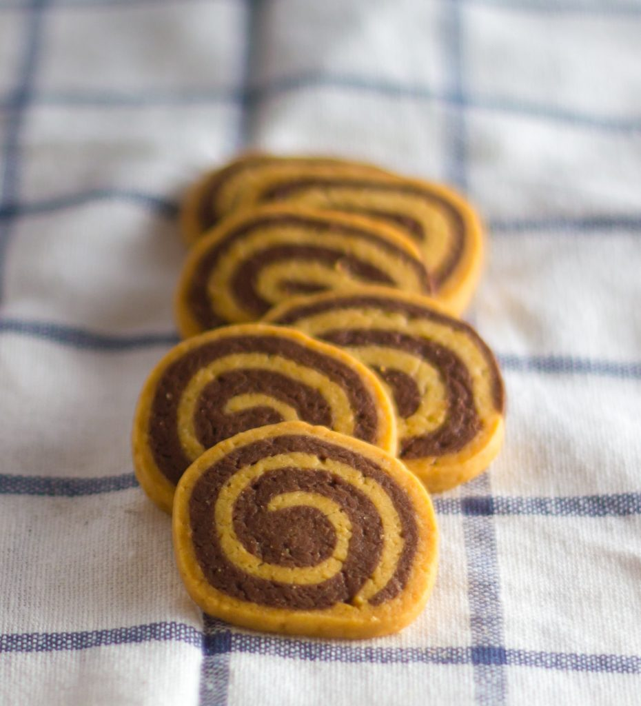 bigstock-spiral-cookies-96267200-min