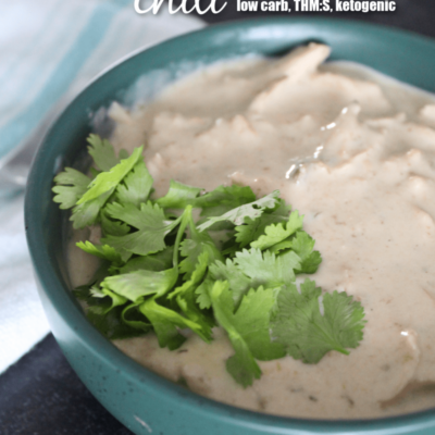 Craving a change from traditional chili? Try this Keto White Chicken Chili! Tender chicken, cheesy broth, and just a hint of spice from green chiles, this instantpot Keto White Chicken Chili is filling and delicious.